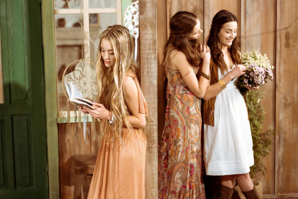 Feminine kjoler til kvinder i alle aldre – find dem hos Bon'A Parte