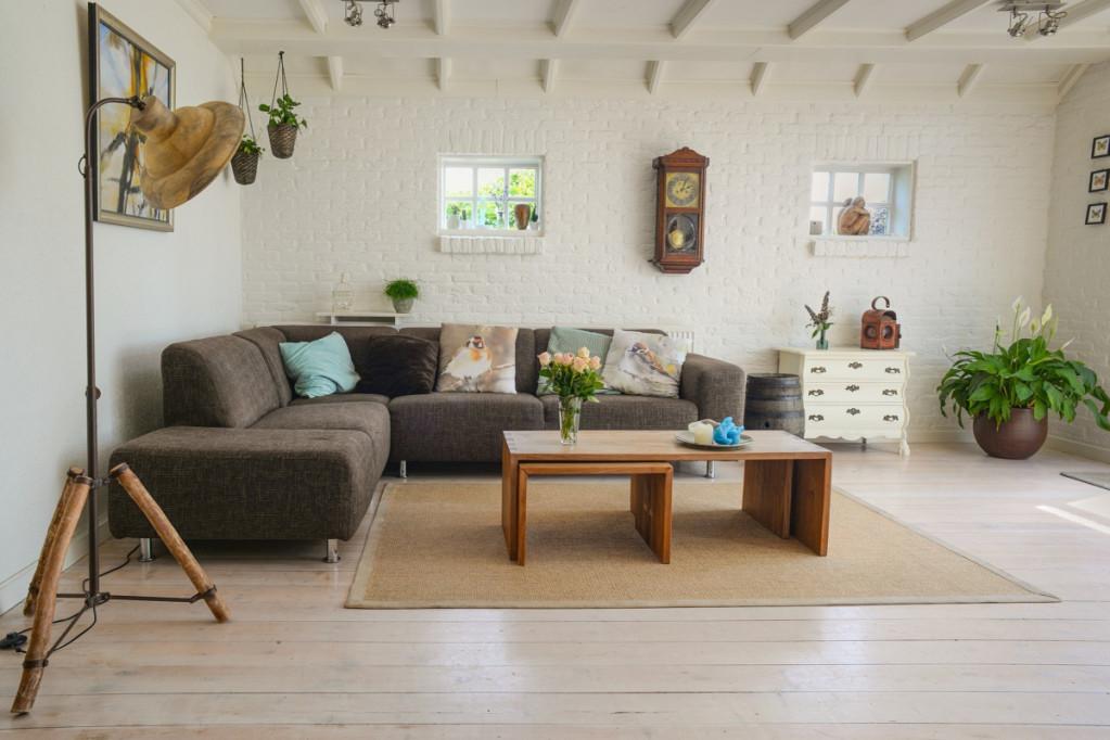 Tilfør dit hjem et nordisk udtryk med møbler i egetræ
