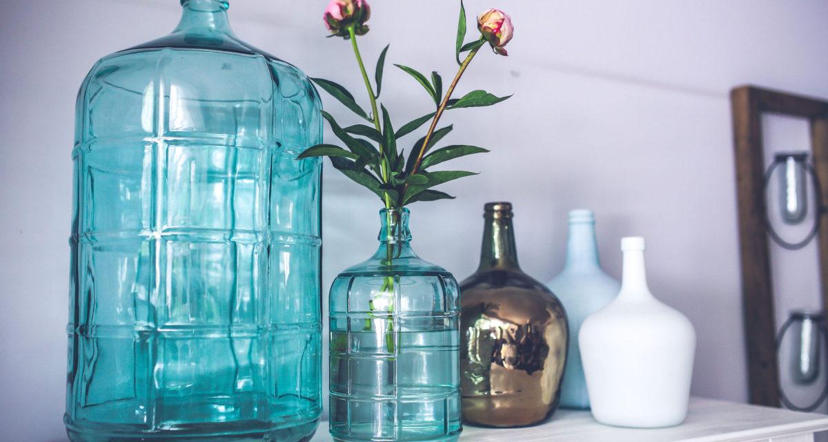 Et sminkebord er nødvendigt til alle damer – en guide til indretningen af dit værelse